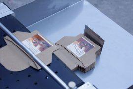 Details zur Etikettiermaschine für automatische Paging-Aufkleber